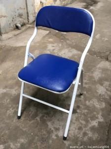 Ghế gấp da màu xanh lưng thấp. Thanh lý Mới 100%
