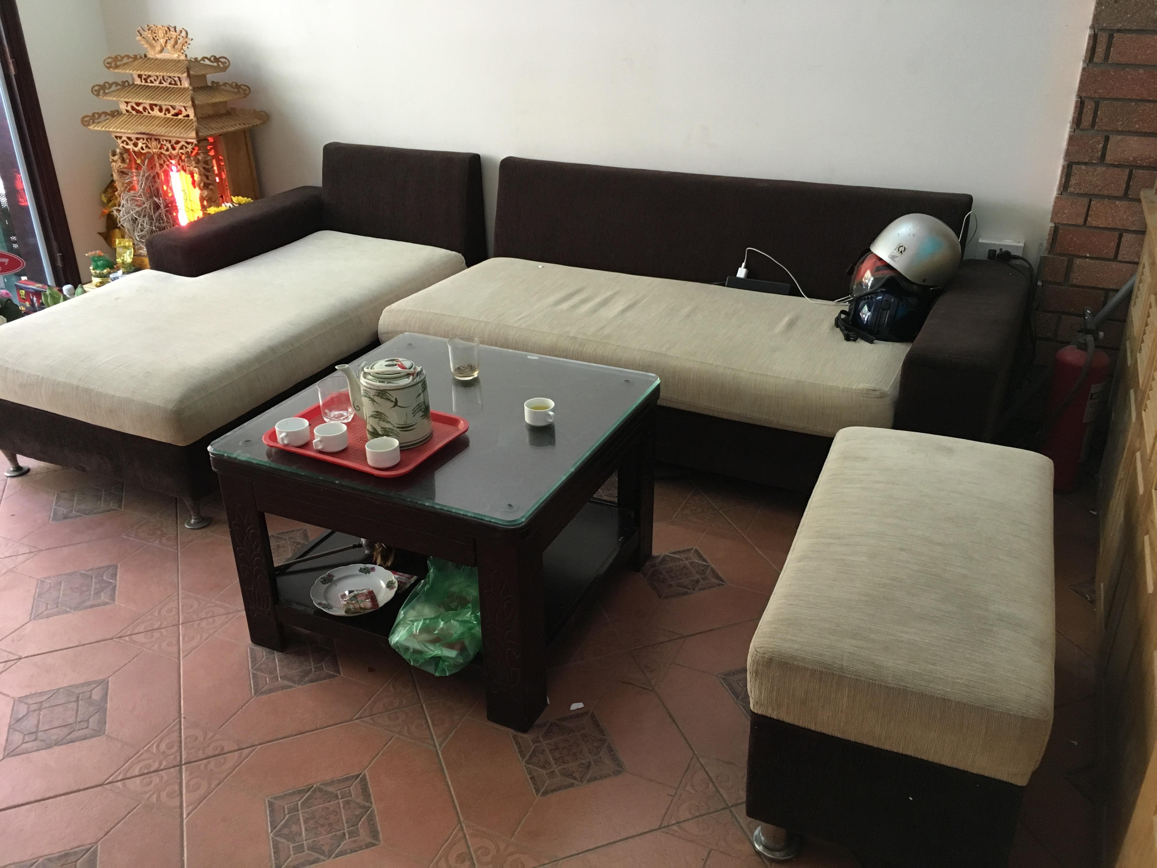 Thu Mua thanh lý bàn ghế cũ, nội thất văn phòng cũ Giá cao nhất tại Hà Nội