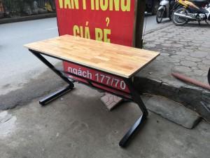 Bàn chân sắt chữ Z 1m2 gỗ cao su ghép thanh giá rẻ