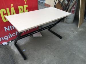 thanh lý bàn chân sắt chữ z 1m4 mặt gỗ ép phủ  melamin giá rẻ