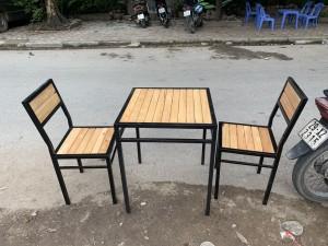 Dọn kho: Bán thanh lý 2 bộ bàn ghế cafe còn đẹp giá rẻ